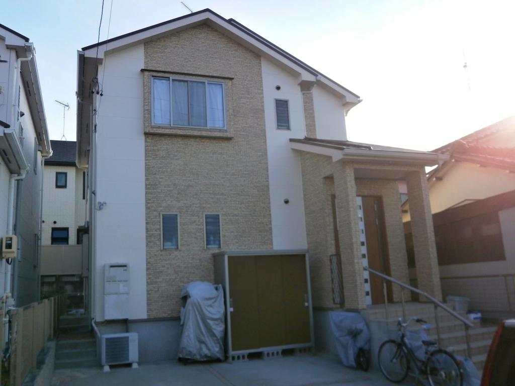 タイル調に再現した外壁塗り替えと屋根塗装 名古屋市緑区