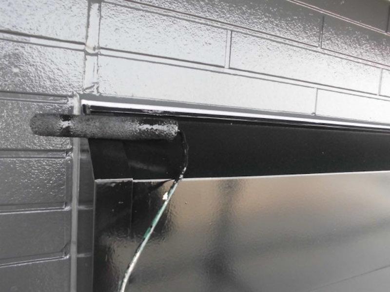 外壁の色を黒(グレー)にモダンな塗り替え、屋根塗装 愛西市