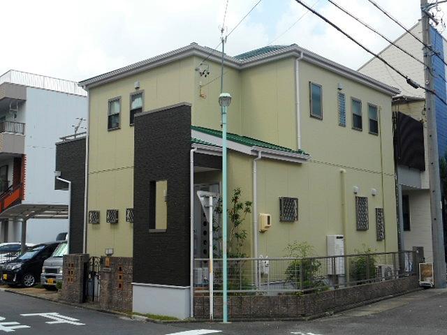 グリーン系の濃淡がフレッシュでおしゃれな外観に大変身 名古屋市熱田区