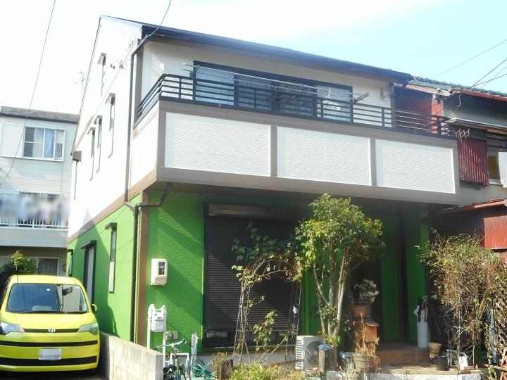 外壁の色を単色からツートンカラーに! 名古屋市南区にて外壁と屋根塗装