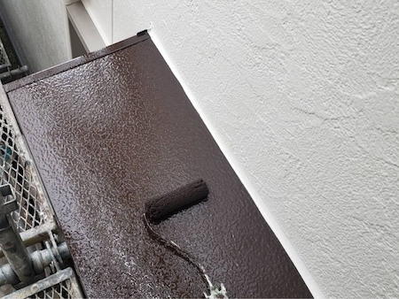 現地で調色して作ったオリジナル色の塗料を5分艶で外壁塗装 名古屋市緑区