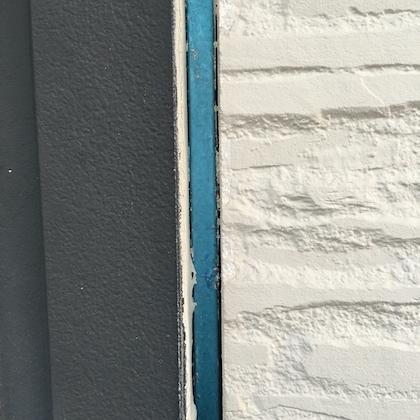 外壁の色を白黒モノトーン塗り替えによって濃淡が美しい仕上がりに 豊明市