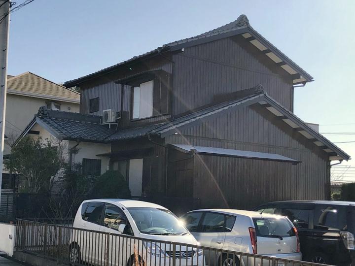 名古屋市緑区にて、お家を長持ちさせる外壁塗装で雨戸・戸袋もピカピカに