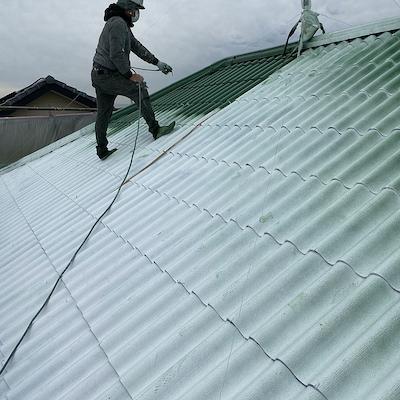 緑に瓦屋根塗装して、外壁を上下2色に塗り分けたお洒落な塗り替え 名古屋市緑区