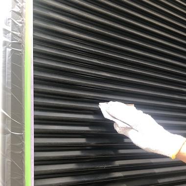 単色からモダンなグレージュ系ツートンに塗り替え立体感のある仕上がり 名古屋市緑区