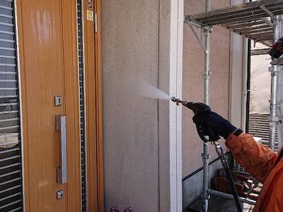 ジョリパットの塗り壁の風合いを残し、色あせや紫外線に強い塗料で屋根外壁塗装 名古屋市緑区