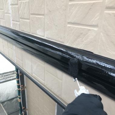 屋根に黄色のコケやカビが発生! きれいに除去して塗装 桑名市