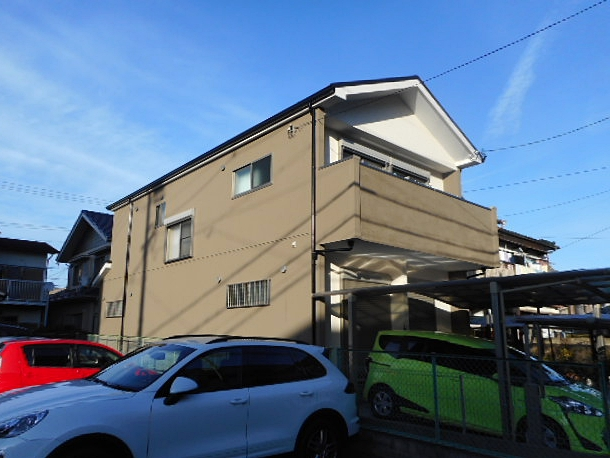 新しい屋根に屋根リフォームと、マットな風合いに外壁塗装 名古屋市千種区