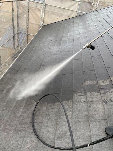 屋根のひび割れ修理からタスペーサー設置と塗装、イエロー系に外壁塗装 愛西市
