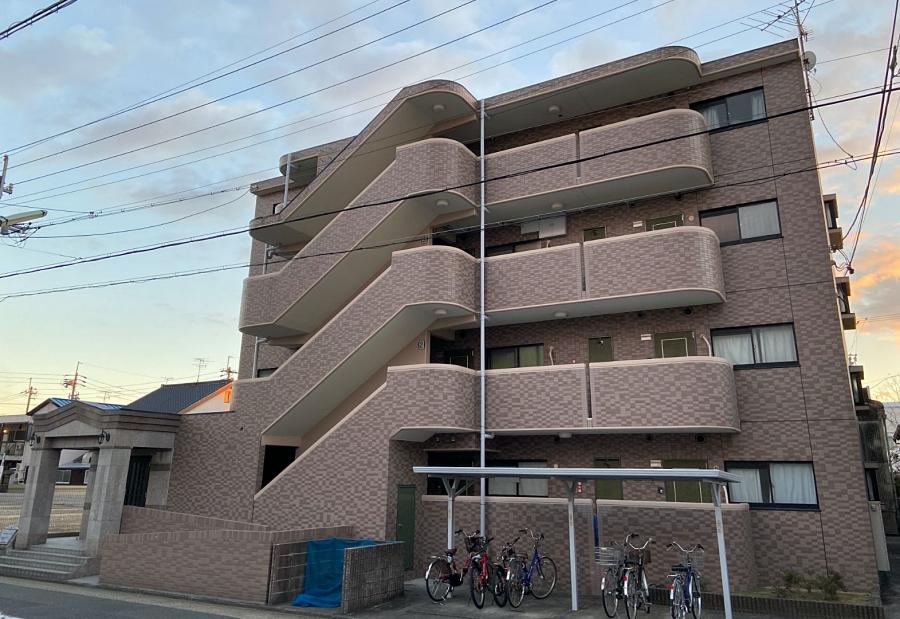 マンション塗装は現状のイメージを変えないで下地処理を丁寧に 名古屋市南区