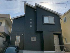 黒白モノトーン外壁屋根塗装後