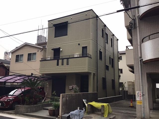 淡いモスグリーン(緑)に外壁を色変えして大満足の仕上がり 名古屋市緑区